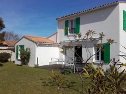 ile de ré Beautiful independent house, facing south with garage and enclosed garden